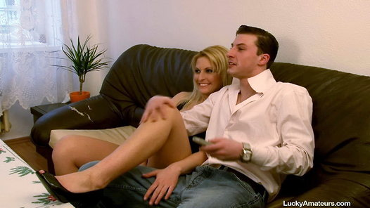 LuckyAmateurs.com - Lucie amateur sex video screenshots - 1 - 2